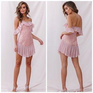 Selfie Leslie Dreamy Off-Shoulder Mini Dress Blush